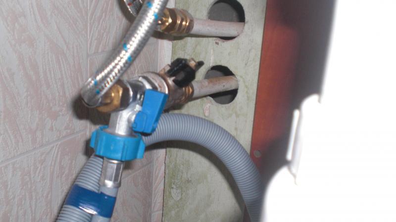 Организация залива воды для посудомоечной машины